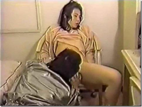 【昭和ロマン:OKバブリーなエロ動画】成人祝いのJD、記念に青姦&ホテル中出しx2回03