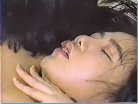 【昭和ロマン:OKバブリーなエロ動画】成人祝いのJD、記念に青姦&ホテル中出しx2回04