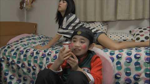 (衝撃)川島海荷(23)パンツから股間ハミ出し写真…ウワキ局員に貫かれたあいどるのまんこ…