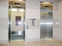 花沢専務の悩み事・牧野専用エレベーター