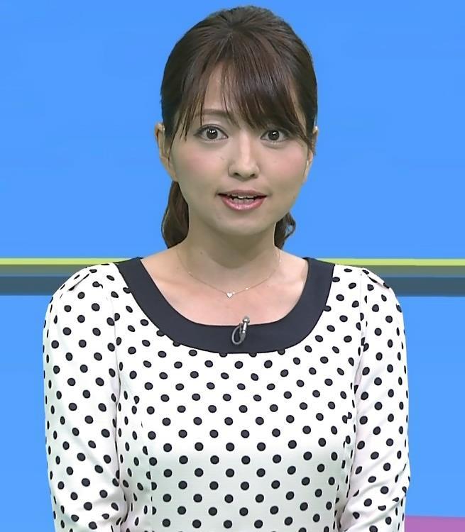 福岡良子 水玉模様は巨乳が目立つキャプ画像(エロ・アイコラ画像)