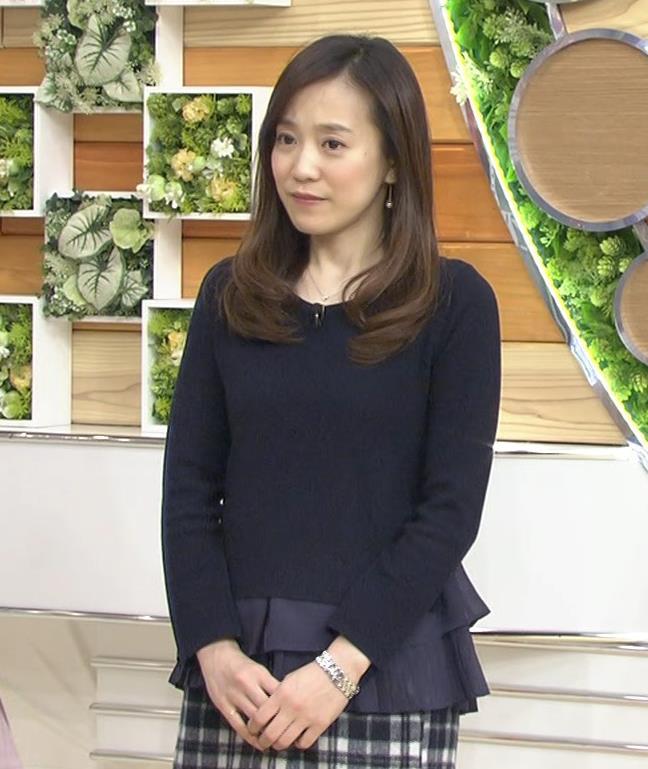 江藤愛 あまり目立たないニット乳キャプ画像(エロ・アイコラ画像)
