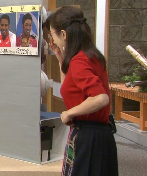 唐橋ユミ 横乳が突き出してたキャプ画像(エロ・アイコラ画像)