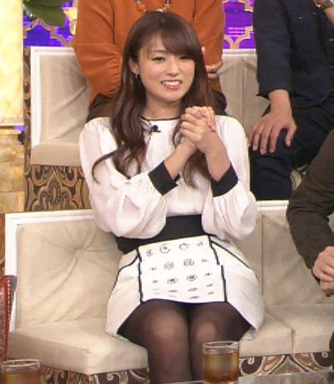 深田恭子 黒ストッキングのミニスカのデルタゾーン画像