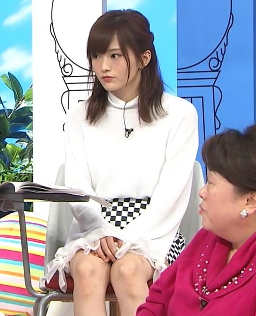 山本彩 ミニスカ太もも (パンチラガード)キャプ画像(エロ・アイコラ画像)