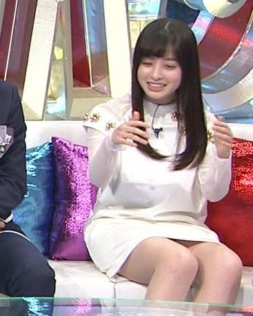 橋本環奈 パンツ見えそうなミニスカ太ももキャプ画像(エロ・アイコラ画像)