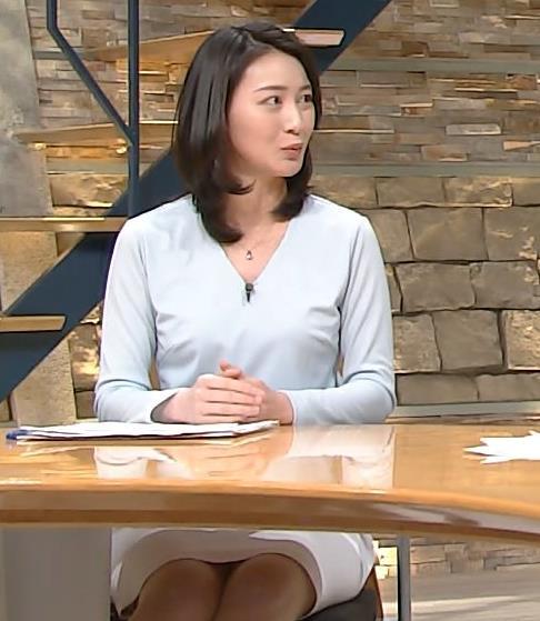 小川彩佳 ミニスカのデルタゾーンキャプ画像(エロ・アイコラ画像)