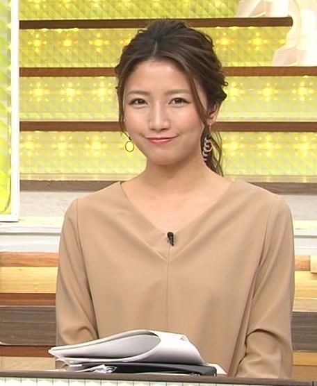 三田友梨佳 裸に見えると話題になったベージュの衣装キャプ画像(エロ・アイコラ画像)