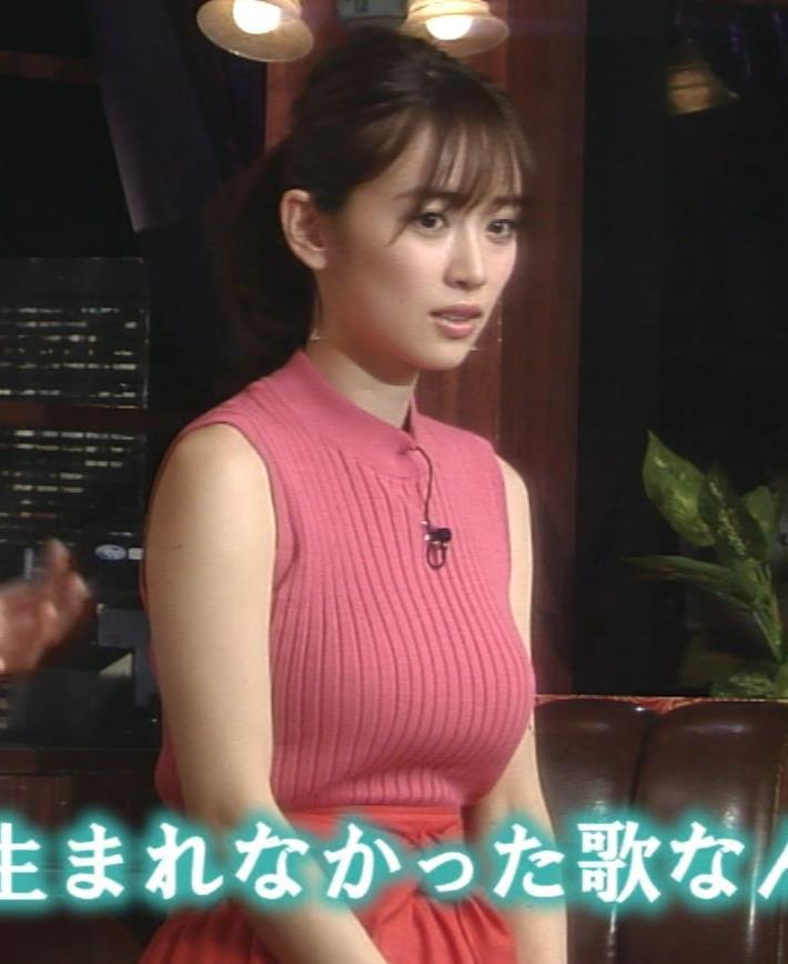 泉里香 ノースリーブのニットおっぱい!キャプ画像(エロ・アイコラ画像)