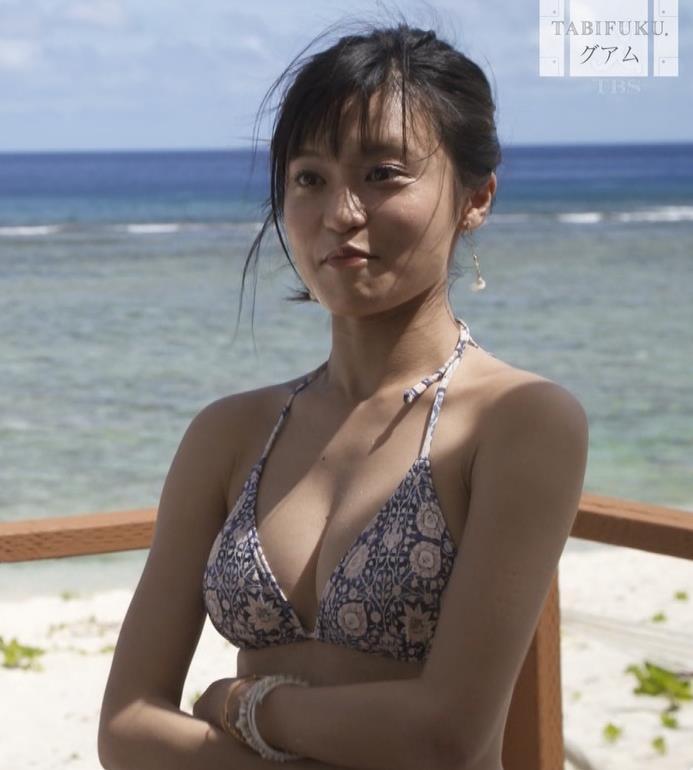 小島瑠璃子 横乳画像6