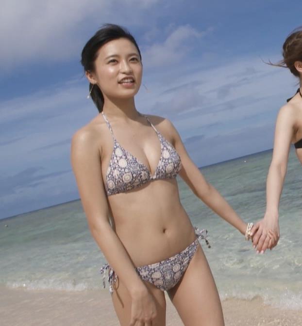 小島瑠璃子 横乳画像8