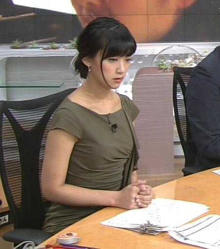 竹内由恵 ノースリーブの二の腕キャプ画像(エロ・アイコラ画像)