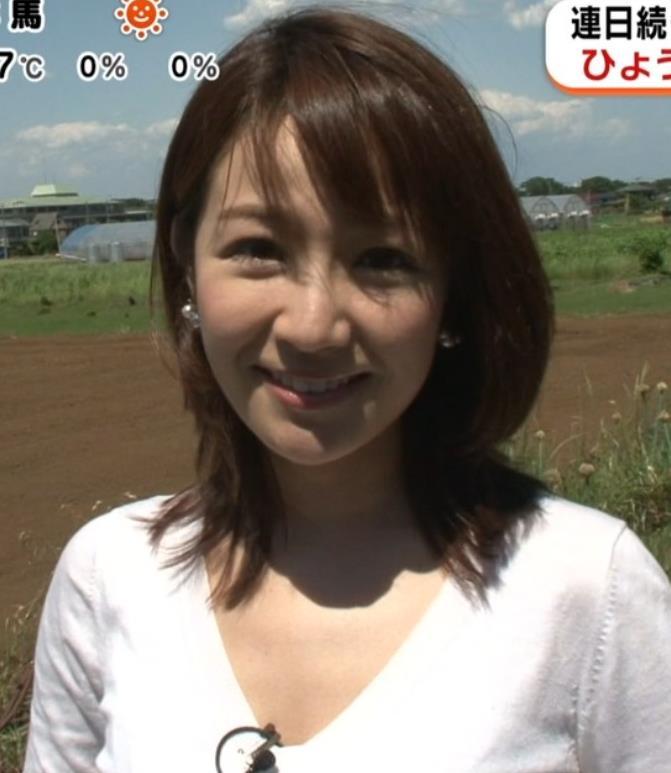 長野美郷 胸元画像5