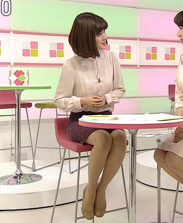 合原明子 NHKアナだけどパンツ見えそうなデルタゾーンキャプ画像(エロ・アイコラ画像)