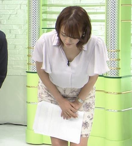 鷲見玲奈 タイトスカートでスイングキャプ画像(エロ・アイコラ画像)