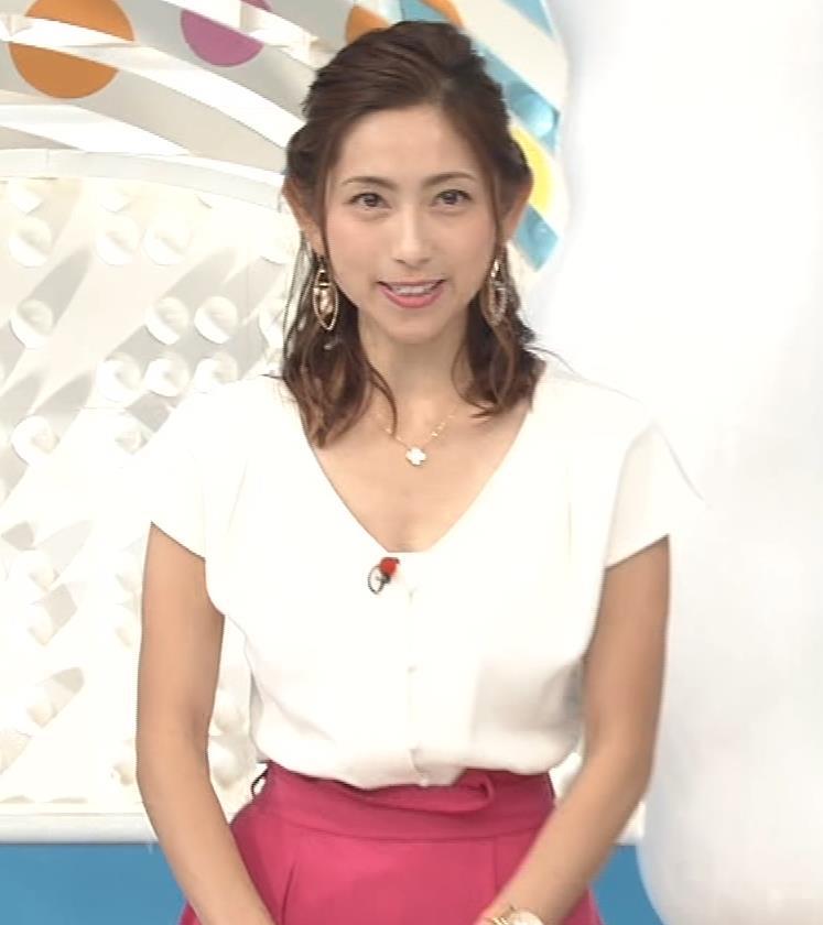 宮崎瑠依 横乳画像8