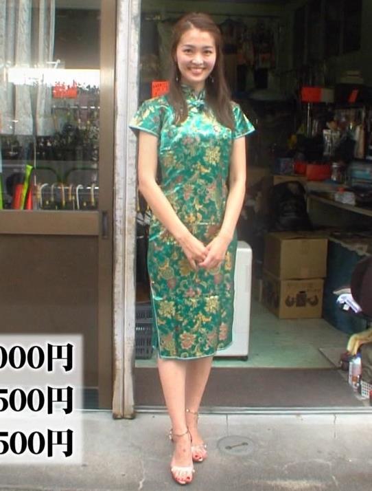 福田典子 チャイナドレスのお尻とスリットがエロいキャプ画像(エロ・アイコラ画像)