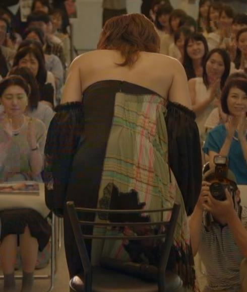 長谷川京子 おっぱい画像3