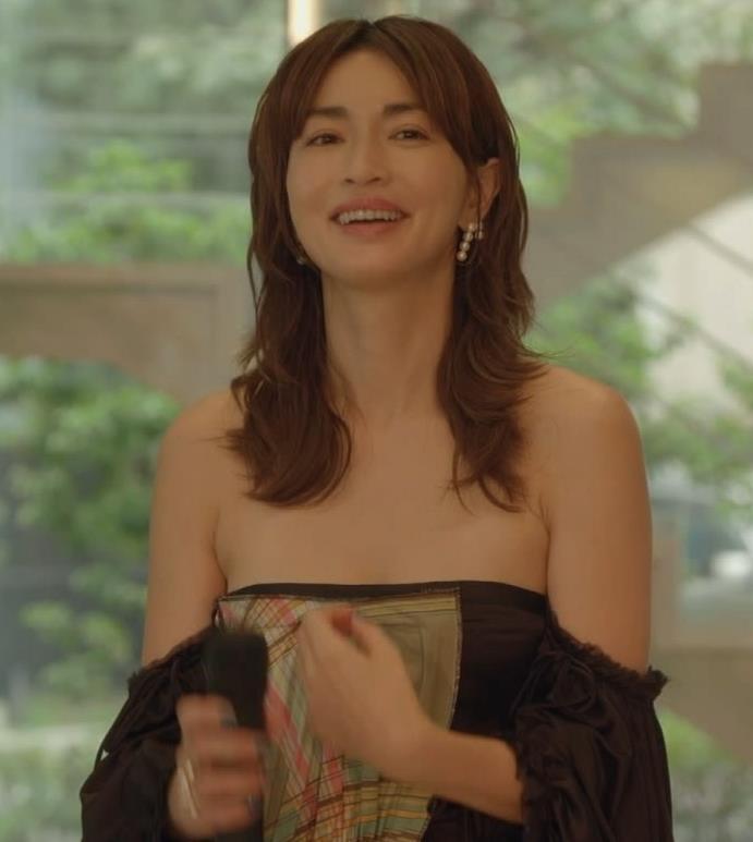 長谷川京子 おっぱい画像4