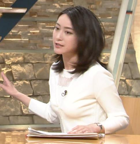 小川彩佳 おっぱい画像4