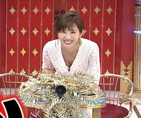 高島彩 胸チラ画像7