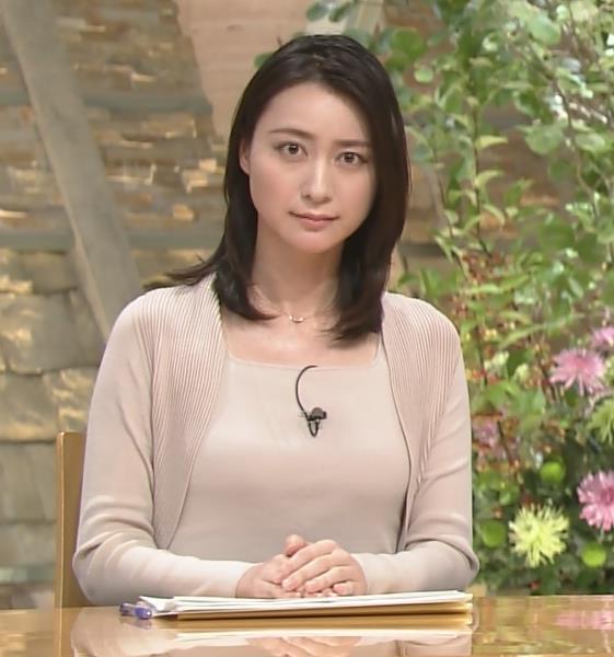 小川彩佳 おっぱい画像10