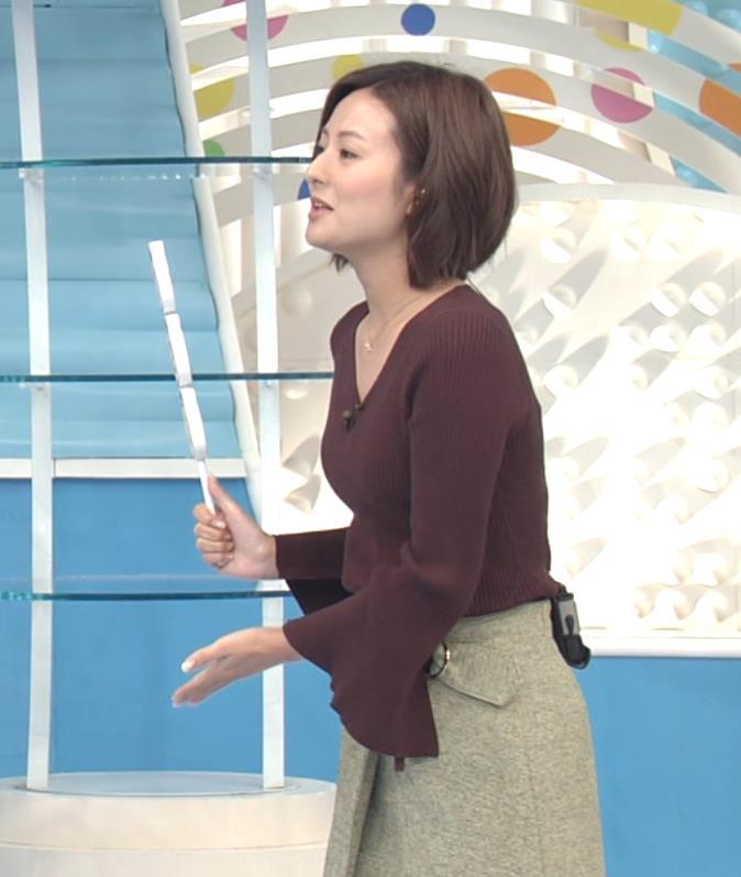徳島えりか 横乳くっきりのニットキャプ画像(エロ・アイコラ画像)