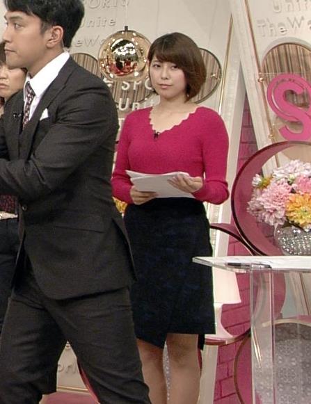 上村彩子 太もも画像3