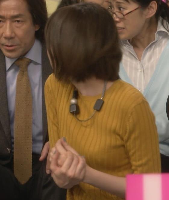 本田翼 小さめニットおっぱい♡キャプ画像(エロ・アイコラ画像)