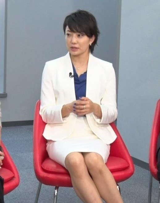 菅野美穂 タイトスカートのデルタゾーンキャプ画像(エロ・アイコラ画像)