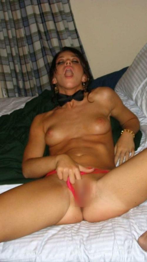 西洋の素人美女の流出ヌード画像 8