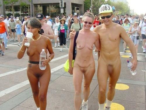 裸でレースしてる画像 7