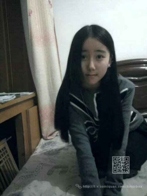 美術学校に通う中国の美少女女子学生の自分撮りヌード映像が流出 1
