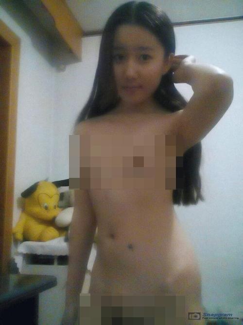美術学校に通う中国の美少女女子学生の自分撮りヌード映像が流出 3