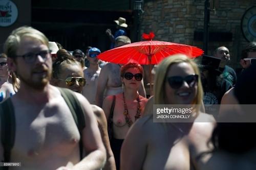 ニューヨークで第10回トップレスパレード「2017 Go Topless Day」の画像 2