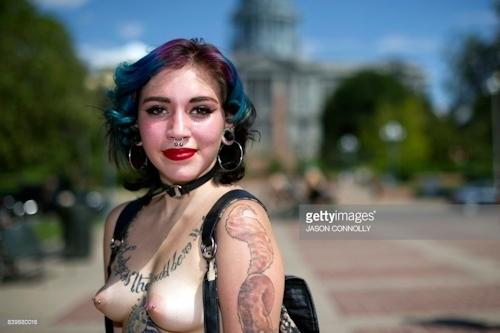 ニューヨークで第10回トップレスパレード「2017 Go Topless Day」の画像 4