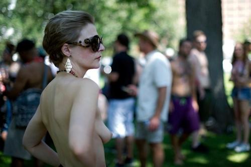 ニューヨークで第10回トップレスパレード「2017 Go Topless Day」の画像 10