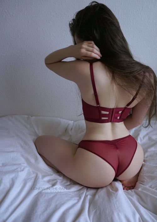 美巨乳なアジア女性のヌード画像 1
