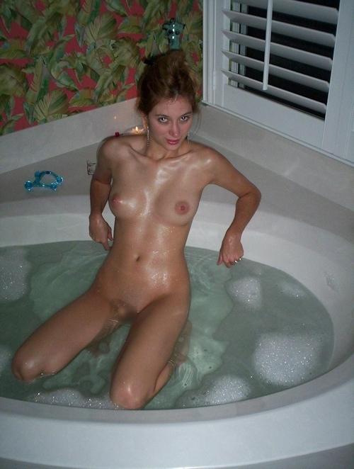 美巨乳な西洋素人美女の入浴ヌード画像 7