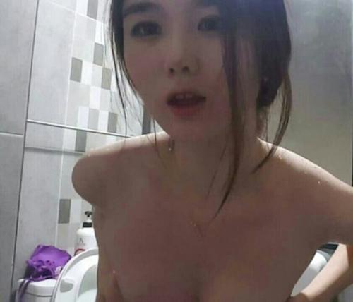 韓国素人美女のシャワーヌード画像 5