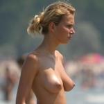 海で裸になってる西洋美女のヌード画像特集3