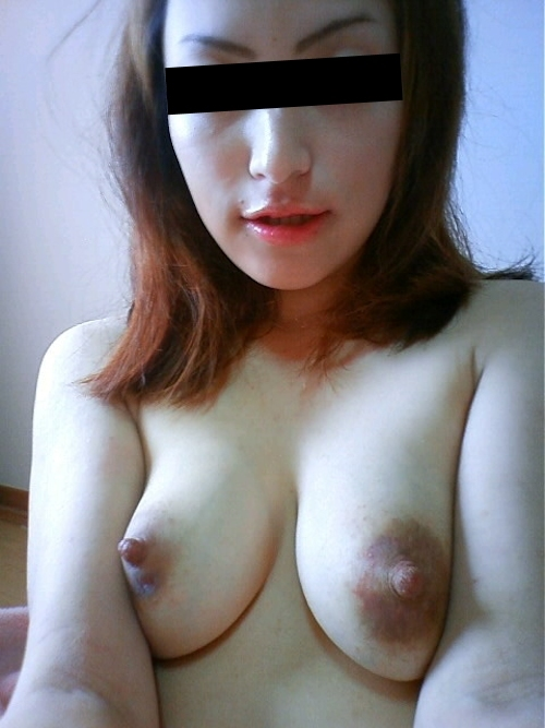 日本の素人美女の自分撮りヌード画像 8