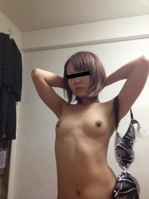 美人女子大生のストリップヌード画像 6