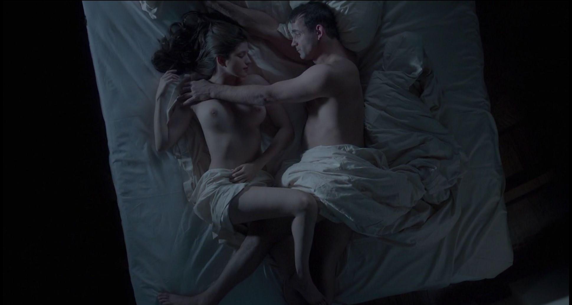 смотреть спальные сцены из фильмов станет