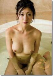 nude-290822 (3)