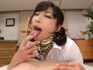 いやらしい舌使いでM男の乳首をベロベロ舐め回す痴女エステティシャン 三喜本のぞみ