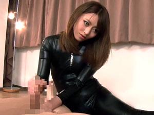 イッては強制勃起させる凄技手コキテクで三連続射精させちゃう痴女姉さん 桜井あゆ