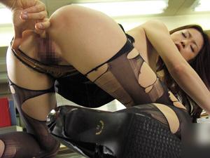 【かすみりさ】保健室で巨乳教師がパンストを引き裂かれクンニ・フェラ、アナルまで舐め合う濃厚SEX
