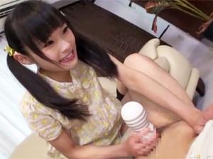 可愛すぎるツインテール黒髪美少女のオナホ手コキ責めがヤバ気持ちいい!