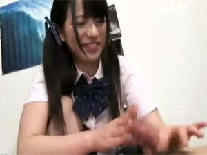 【上原亜衣】ドMな兄貴を顔面騎乗手コキ責めする変態な妹!